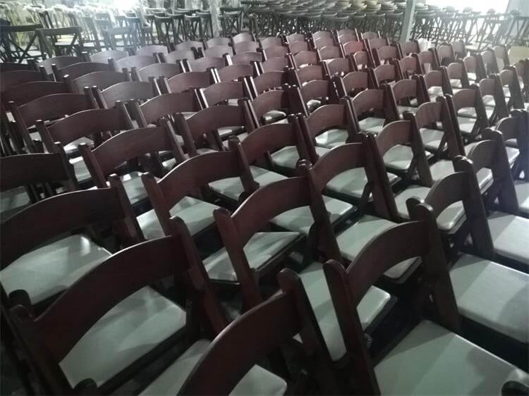 light mahogany folding chair
