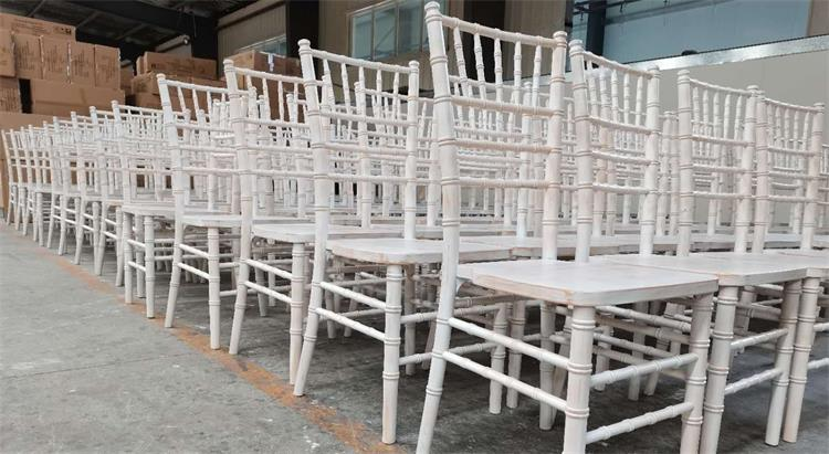 Limewash American Chiavari chairs