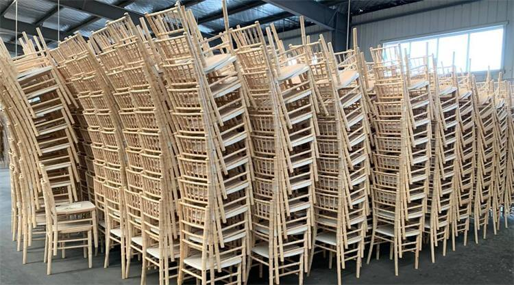 natural wooden chiavari chairs