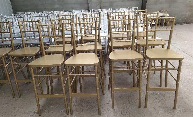 gold bar chiavari chairs