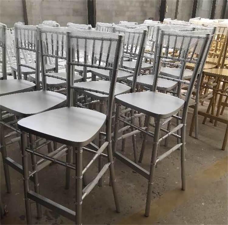 silver bar chiavari chairs