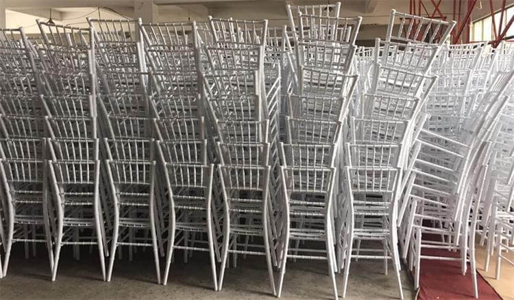 Chiavari chairs white