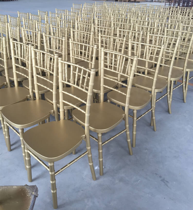 limewash chiavari chair gold