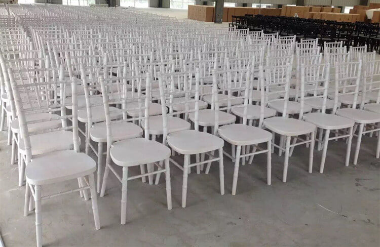 limewash chiavari chair white