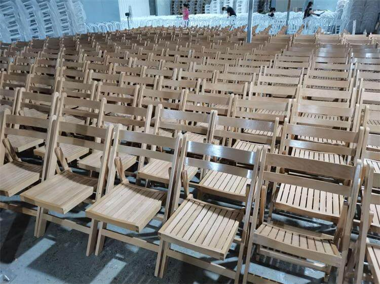 folding chairs mass production