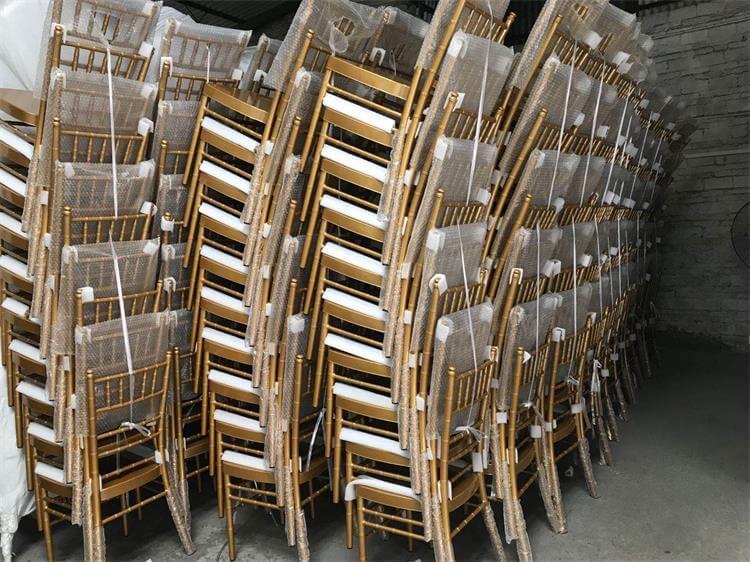 chiavari chairs gold