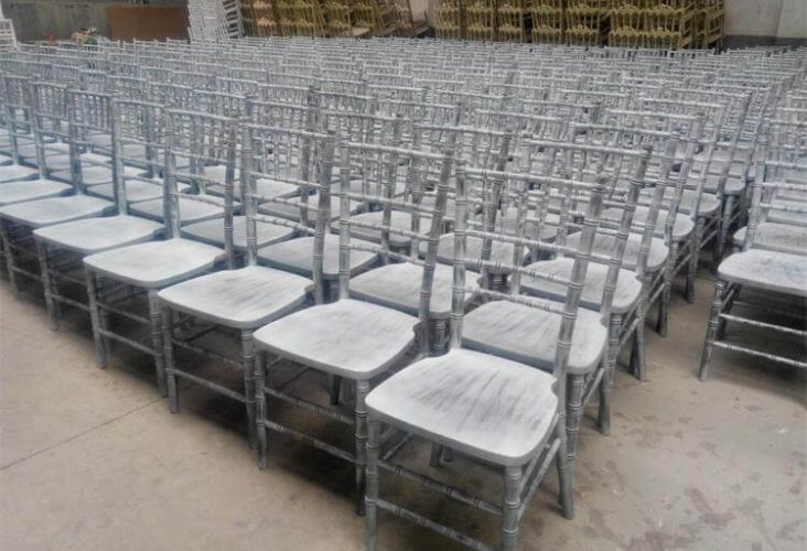 locust tree chiavari chairs