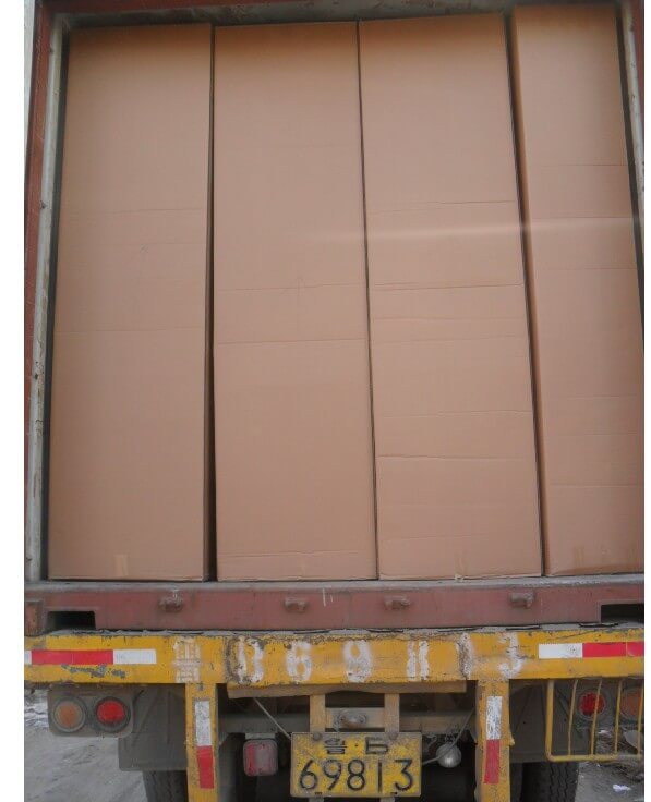 Loading containers or bulk goods