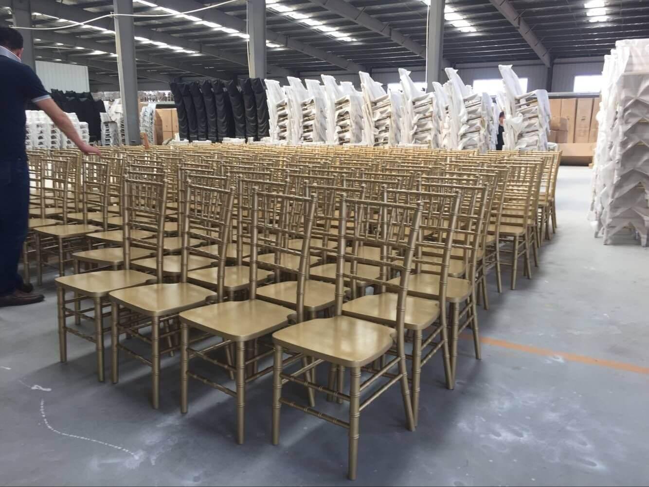 Primer painting for chiavari chairs