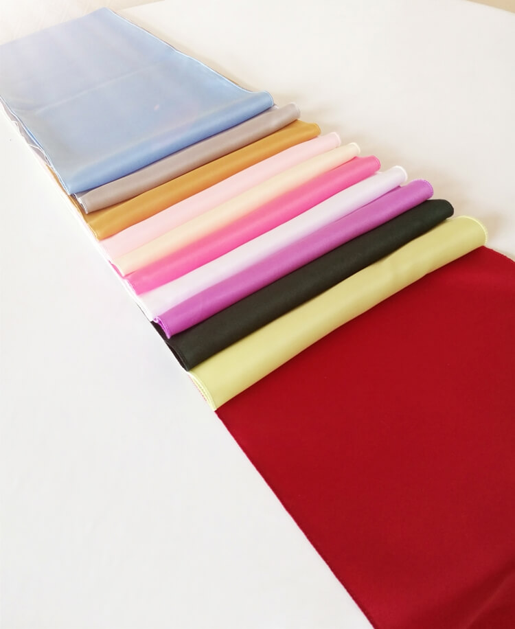 table runner color