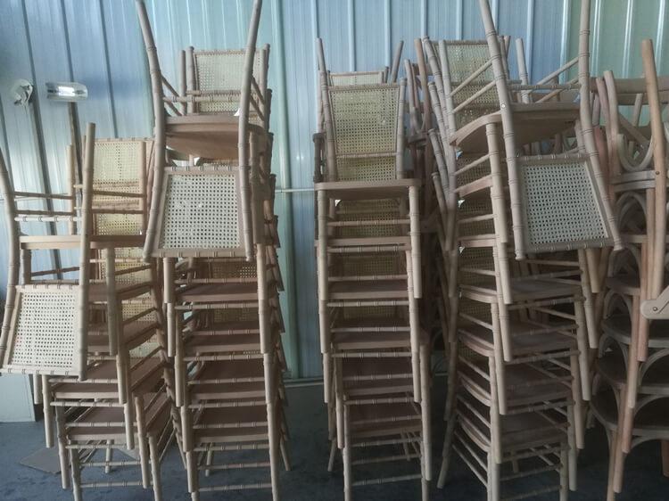 square rattan back chiavari chair
