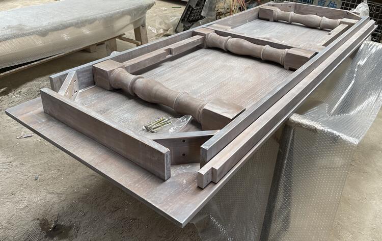wooden farmhouse table manufacturer