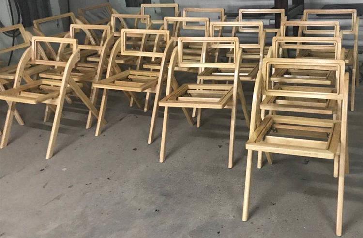 wooden folding chair supplier